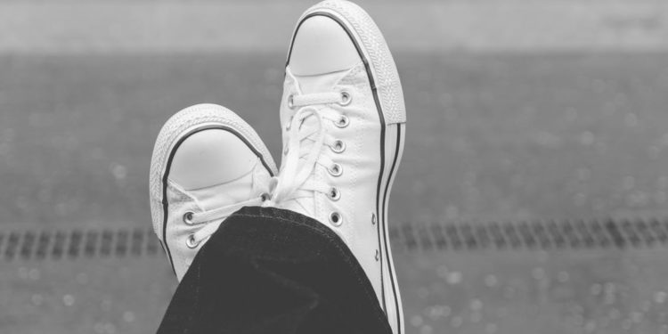 Ways to Amp up Your Look with Mens White Sneakers
