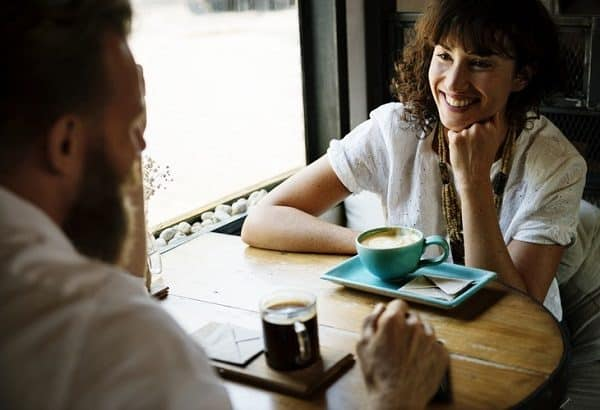 5 Best Ways to Meet People in Real Life and Getting Off Dating Apps