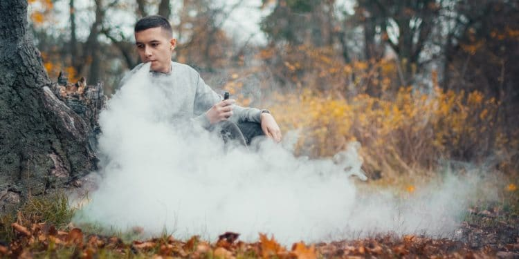 7 Things We Need To Know About The Health Risks of Vaping