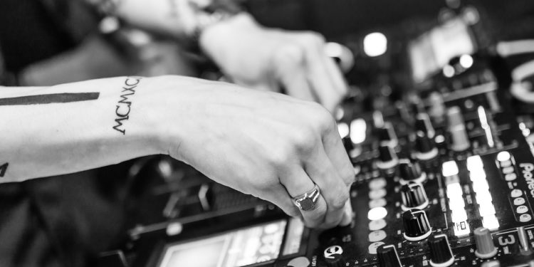 Here are electronica artists to put on your playlist if you're hustling.