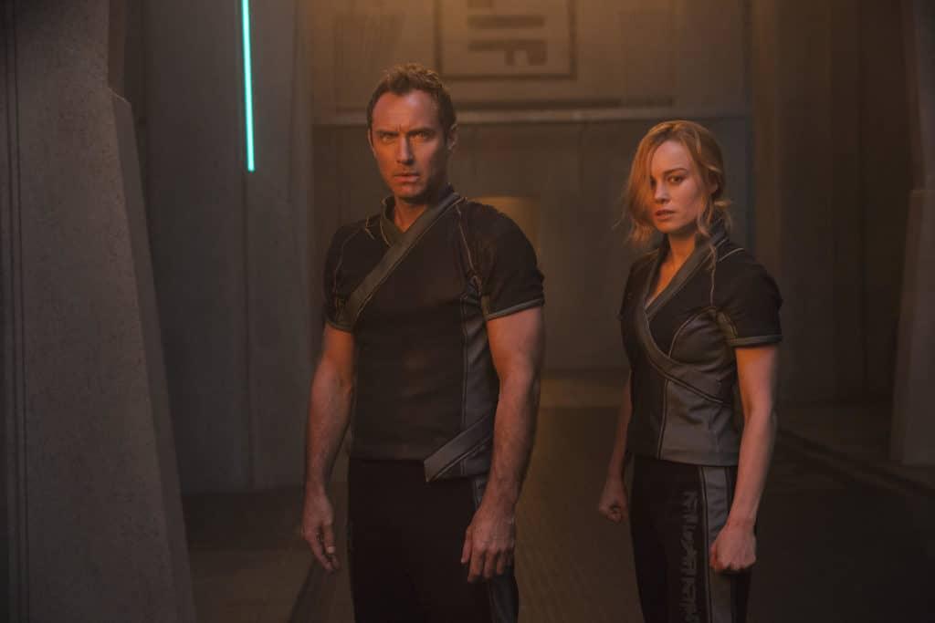 Leader of the Starforce (Jude Law) and Carol Danvers/Captain Marvel (Brie Larson) together (Image Credits: Chuck Zlotnick / Marvel Studios)