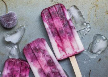 Sugar-free popsicles are great keto-friendly desserts.
