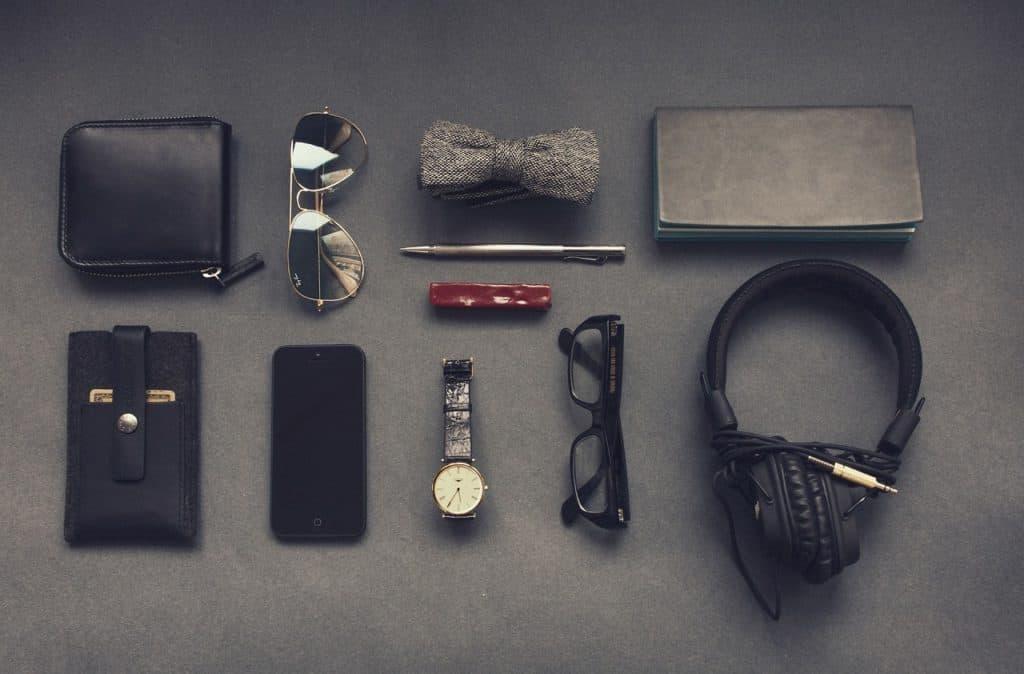 A busy man's EDC (Image Credits: Free-Photos / Pixabay)