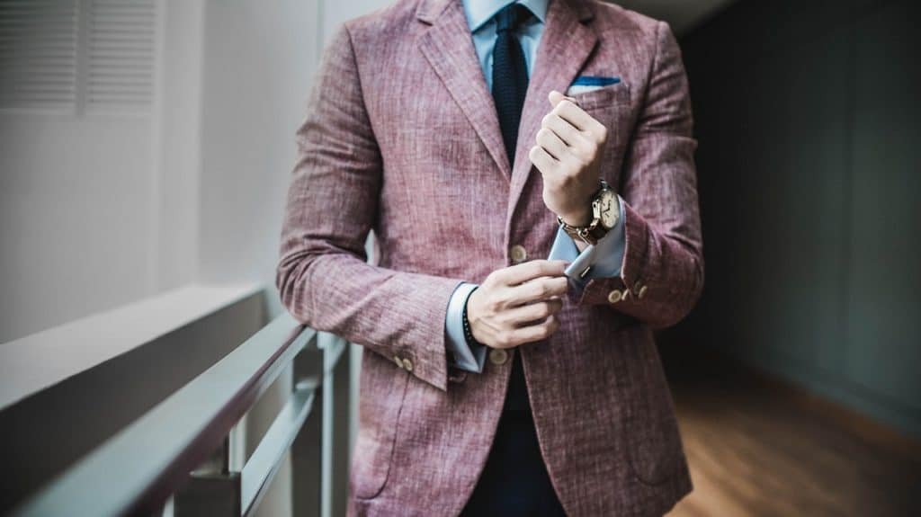 A daring color like burgundy can brighten up more relaxed dress codes (Image Credits: StockSnap / Pixabay)