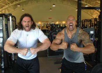 Evan Mathis and Dwayne Johnson hanging loose at the gym (Image Credits: Wikimedia Commons)