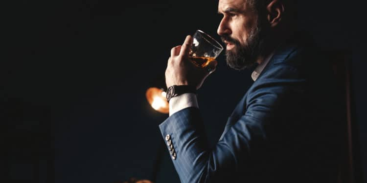 what differentiates between whiskey and bourbon