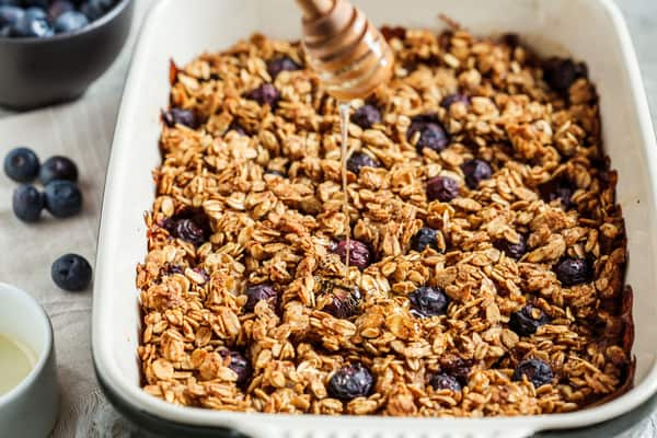 Quick and Easy Blueberry Crisp Recipe For FIT FREAKS!