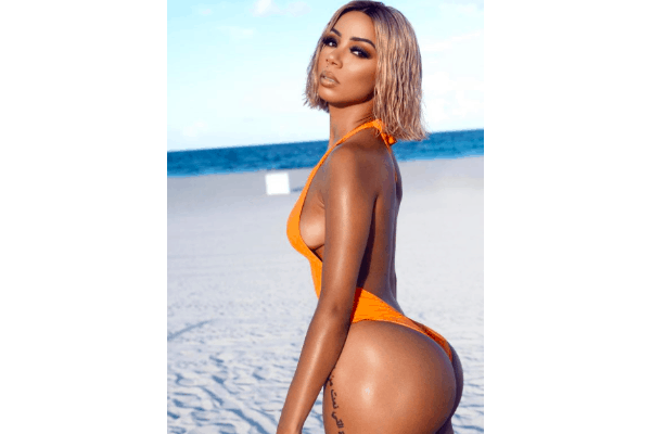 Brittany Renner shows off her butt on instagram