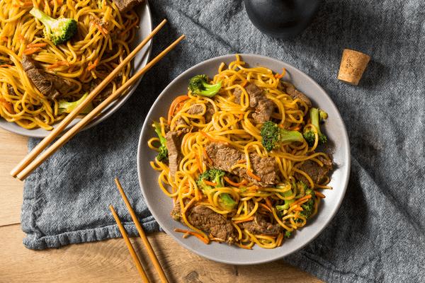 lo mein vs chow mein