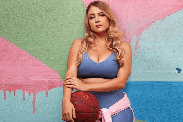 Jem Wolfie and Her Curves - Is Her Body Natural?