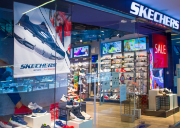 Best 6 Sketchers Max Cushioning for Enjoying the Outdoors