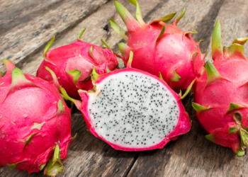 How to Cut a Dragon Fruit in 3 Best Ways and Seek its Health Benefits