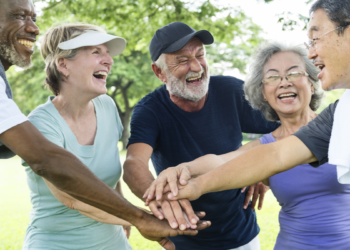 How Seniors with Dementia Can Benefit from Staying Active